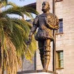 Menendez Statue 12