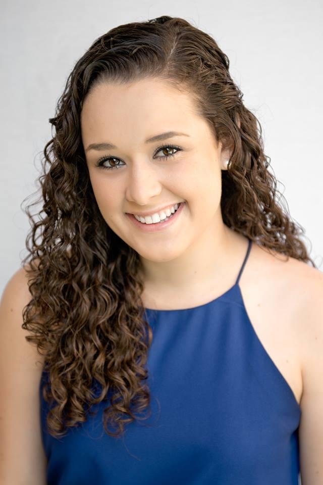 Emily Heumann Headshot